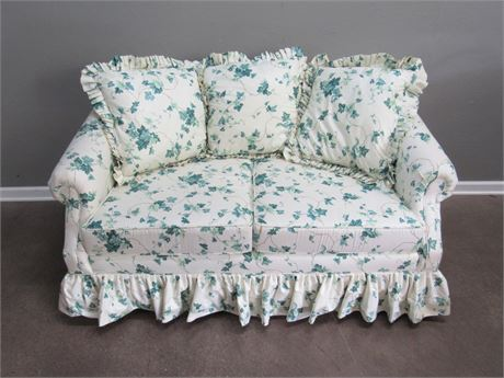 Westwood Industries Expressions Ivy Print Upholstered Loveseat