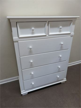 STANLEY Young America Chest of Drawers