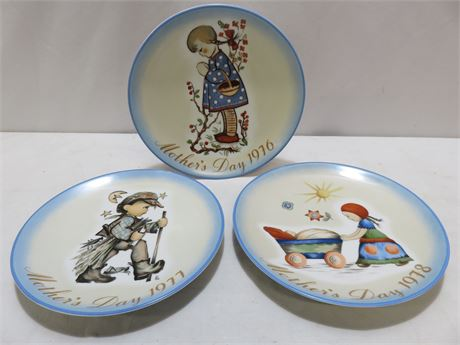 Vintage 1976-78 SISTER BERTA HUMMEL Mother's Day Plates - SCHMID BROS.