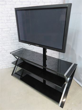 SAMSUNG 42-in. Plasma TV with Stand