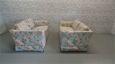 Set of Two  Floral Upholstered Love Seats
