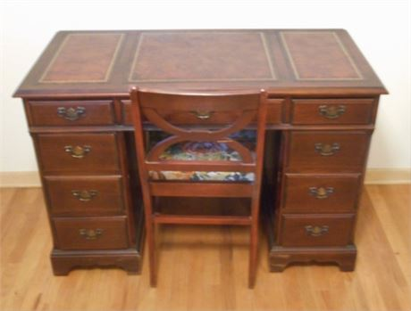 NICE VINTAGE TOOLED LEATHER TOP DESK AND CHAIR