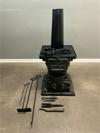 ESTATE STOVE CO. Antique Oven & 8 Tools