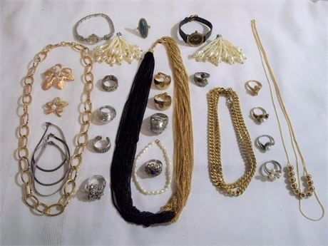 26 PIECE JEWELRY LOT - SOME STERLING