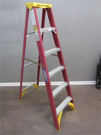 6' Werner Fiberglass Step Ladder