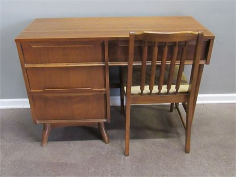 Vintage Kroehler Mid Century Desk with Chair