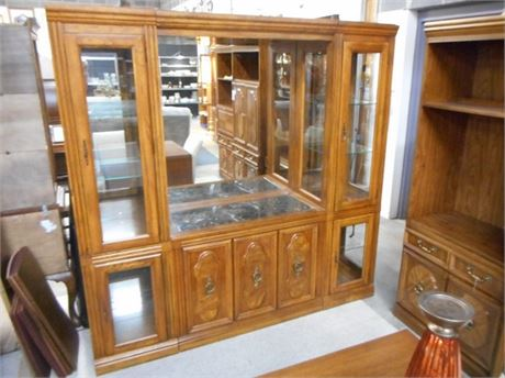 VERY NICE LENOIR HOUSE CHINA/DISPLAY HUTCH BY BROYHILL
