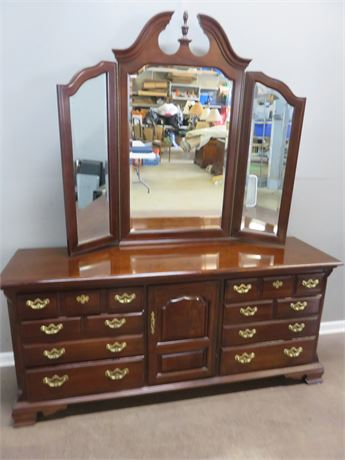 THOMASVILLE Triple Dresser & Tri-Panel Mirror
