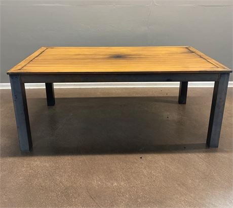 Outdoor / Patio Metal Table With Rustic Faux Wood Design Top