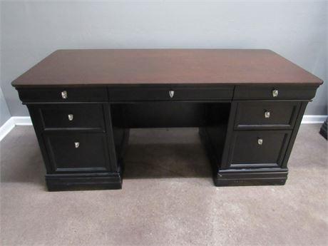 Wynwood Desk