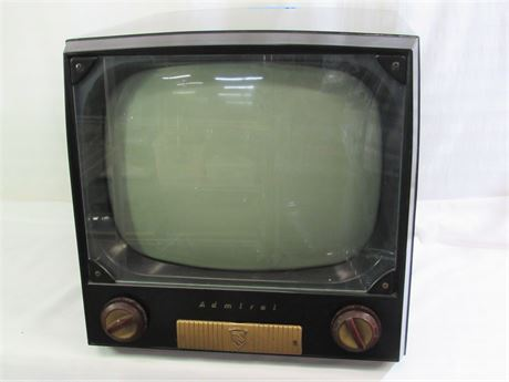 VINTAGE ADMIRAL BLACK AND WHITE TV WITH DIGITAL/ANALOG CONVERTER