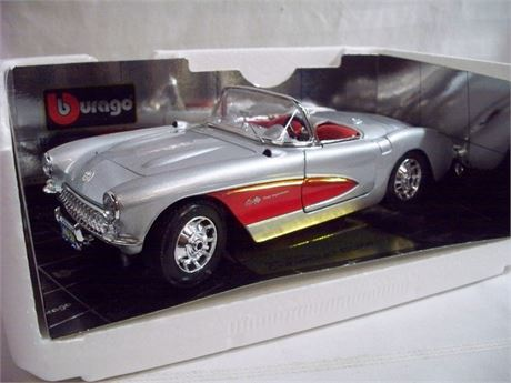1:18 SCALE BURAGO SPECIAL COLLECTION DIECAST - 1957 CORVETTE WITH BOX