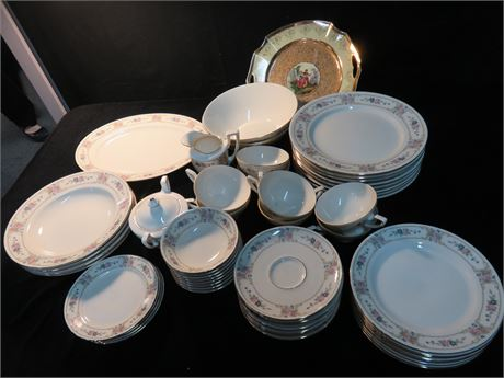 JOHANN HAVILAND 53-Piece Bavarian China Set