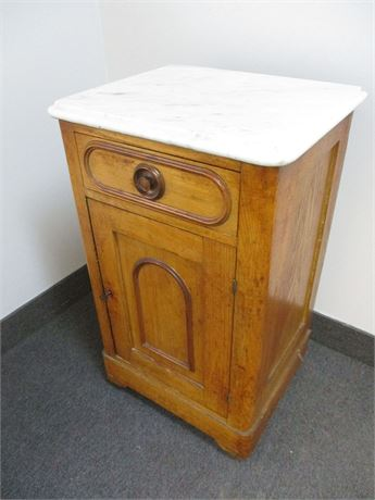VINTAGE PETITE MARBLE-TOPPED WASH STAND