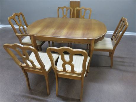 BASSETT Cavelo Dior Cherry Marquise Dining Set