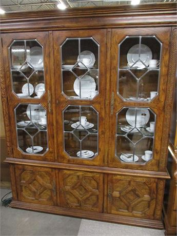 CARVED HENREDON LIGHTED HUTCH WITH LEADED GLASS