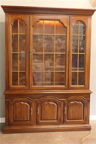 Thomasville, Two Piece Hutch with display shelves