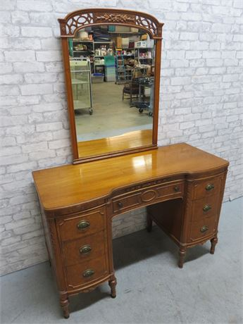Vintage Bow Front Vanity