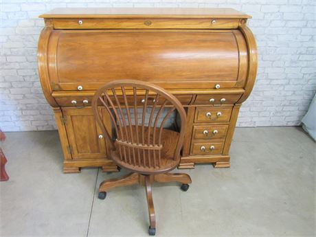 Great Looking Antique Style Roll-Top Desk with Chair