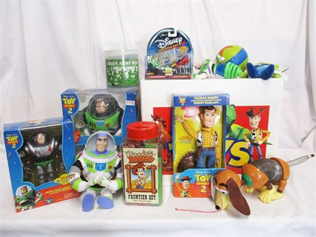 """LOT OF """"TOY STORY"""" TOYS AND TOY BOX"""
