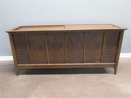 Vintage Magnavox Astro-Sonic Stereo Cabinet