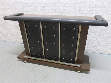 Mid-Century Cocktail Bar