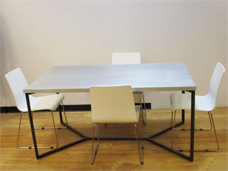 MODERN-LOOK DINING TABLE AND 4 CHAIRS