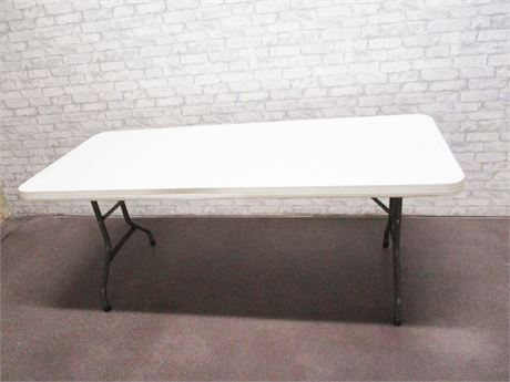 6-FOOT FOLDING BANQUET TABLE