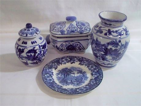 4 PIECE BLUE AND WHITE POTTERY/CHINA LOT
