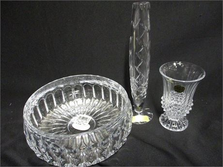LOT OF DECORATIVE LEAD CRYSTAL