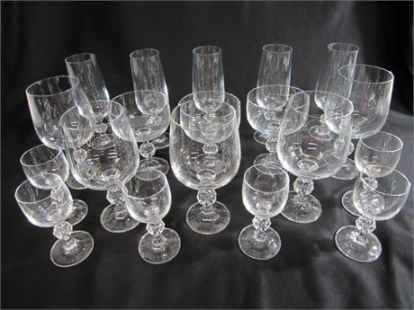 19 PIECE CRYSTAL STEMWARE LOT