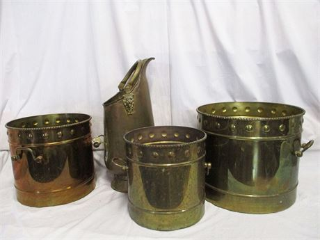 LOT OF DECORATIVE BRASS - LARGE PIECES