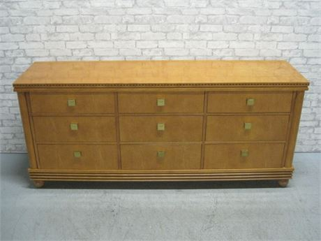 HARRISON'S FINE FURNITURE 9 DRAWER DRESSER