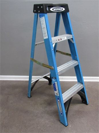 4' Werner Fiberglass Step Ladder