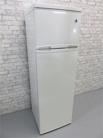 Igloo 10 Cu. Ft. Top-Freezer Refrigerator