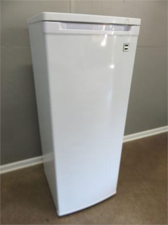 RCA / THOMSON 6.5 cu. ft. Upright Freezer