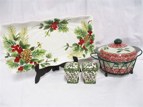 LOT OF CHRISTMAS SERVEWARE