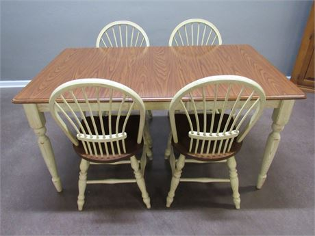 DINETTE TABLE WITH 4 SPINDLE BACK CHAIRS