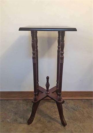 Pedestal Display Table