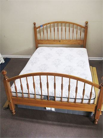 "LOVELY NATHAN HALE QUEEN ""HARVEST OAK"" BED WITH SERTA MATTRESS"