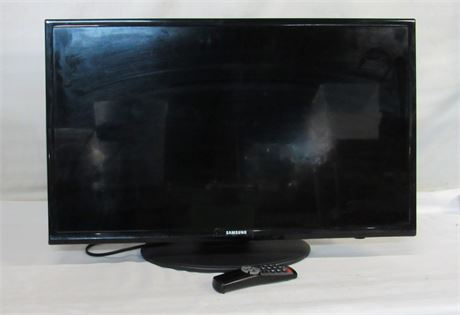 """Samsung 32"""" Flat Panel TV with Remote - Hospitality Series 477"""