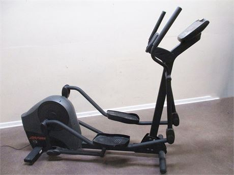 LIFE FITNESS X3 ELLIPTICAL TRAINER