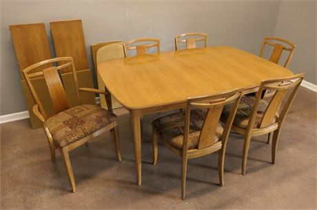 Mid Century Modern Dining Table w/6 Chairs, 2 leaves & Padding