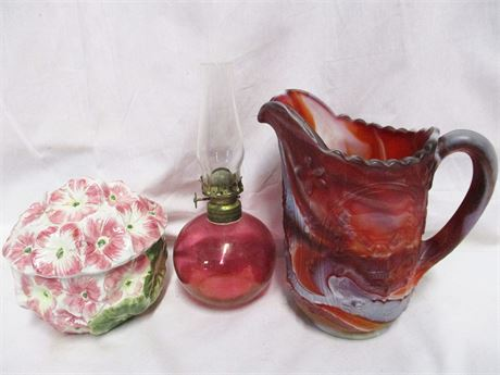 LOT OF VINTAGE DECOR FEATURING IMPERIAL GLASS RED SLAG