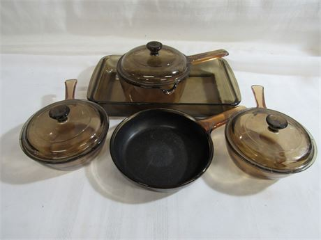 8 PIECE GLASS COOKWARE LOT PYREX AND CORNING WARE