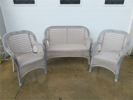 3-Piece Outdoor Patio Bench/Chairs Set