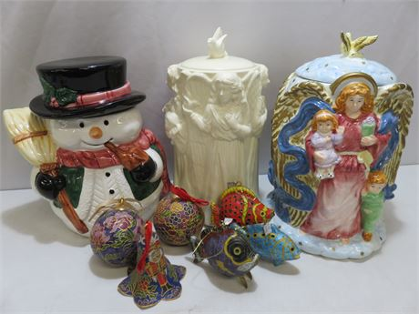 Holiday Ceramic Cookie Jar/Ornament Lot
