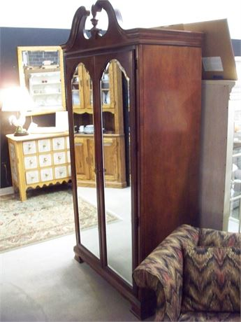 AMERICAN DREW CHIPPENDALE STYLE ARMOIRE WITH BEVELED MIRROR DOORS
