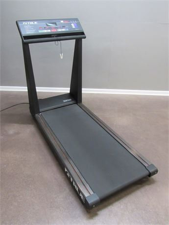 TRUE 550 S.O.F.T. SELECT COMMERCIAL GRADE TREADMILL