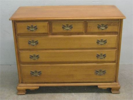 SMALL DRESSER WITH DOVETAIL DRAWERS